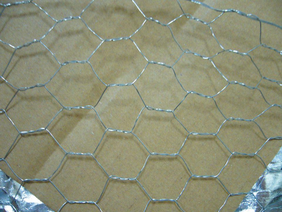 本体 : 亀甲金網